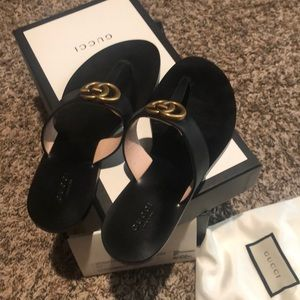 Gucci marmont leather thong